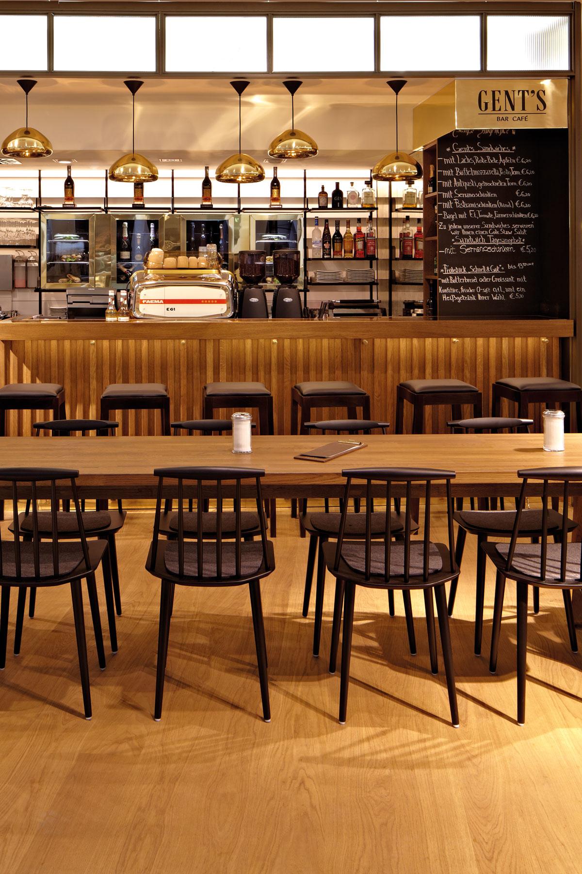 cafe gents, bar