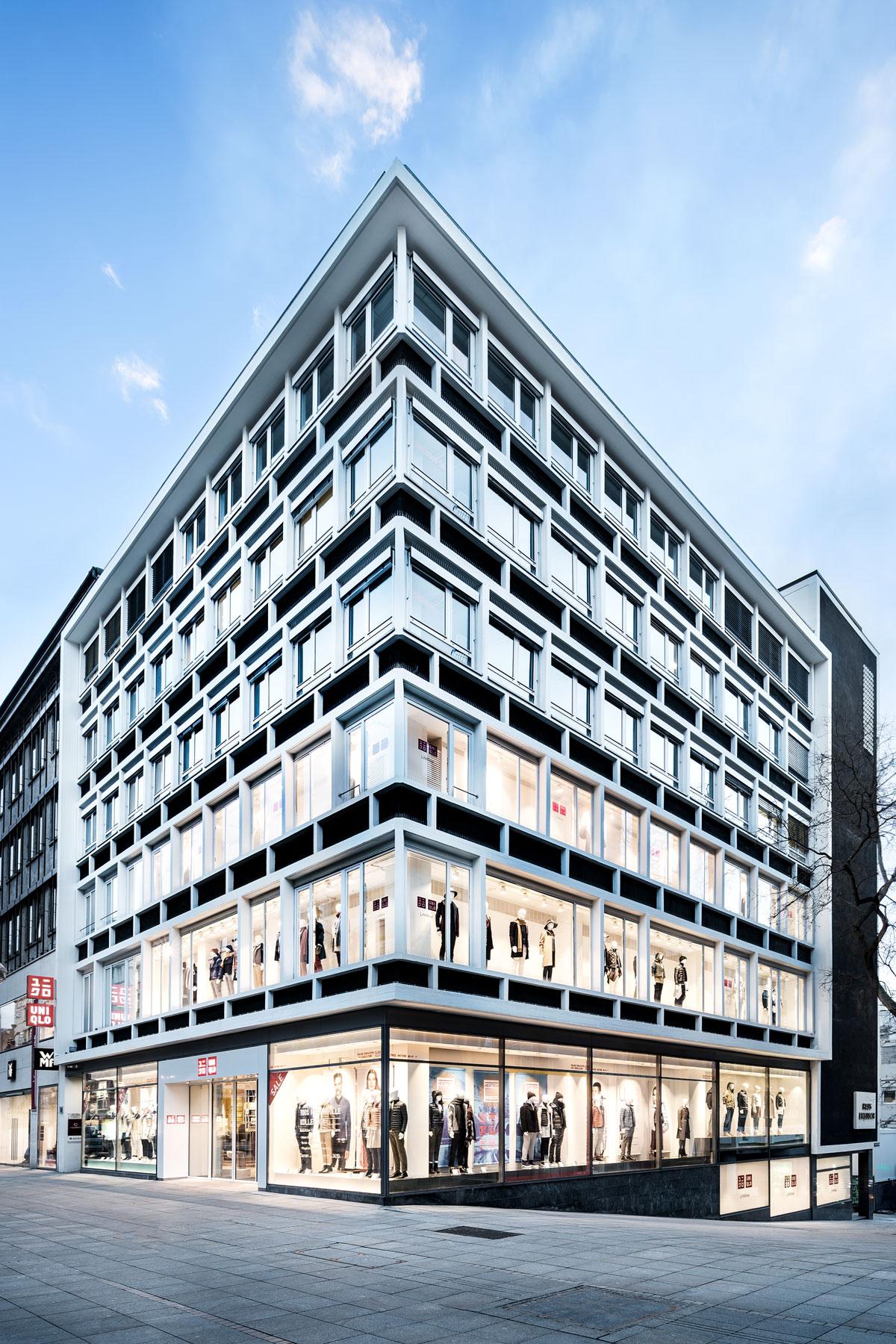 Geschäftshaus Stuttgart, hoch