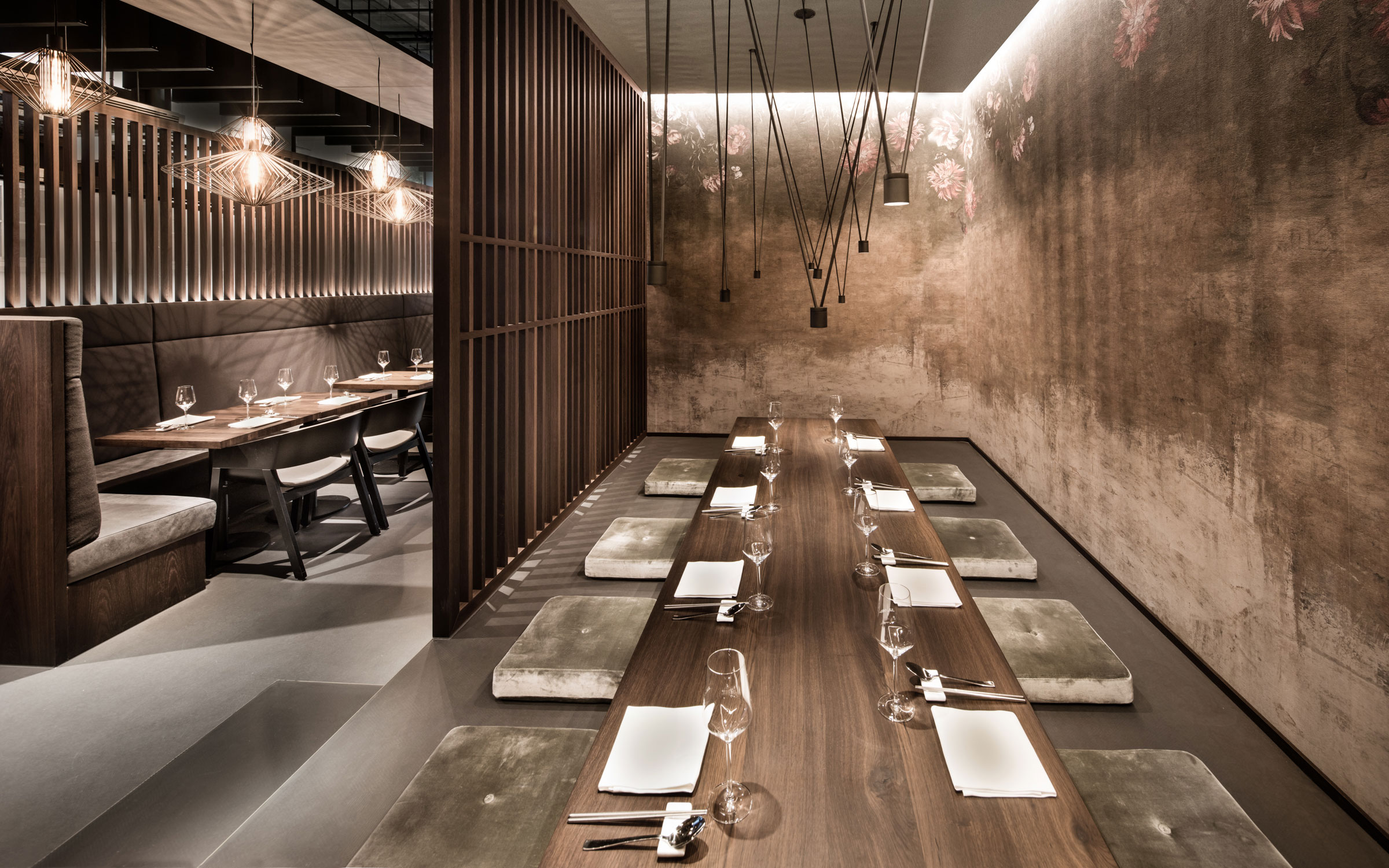 Enso Sushi & Grill, Sitztheke und Sitzecke