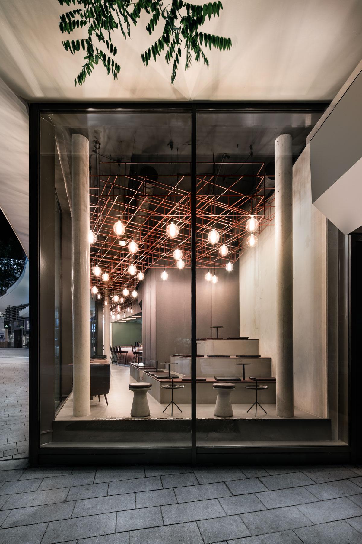 Eduards, Blick von außen, Lounge