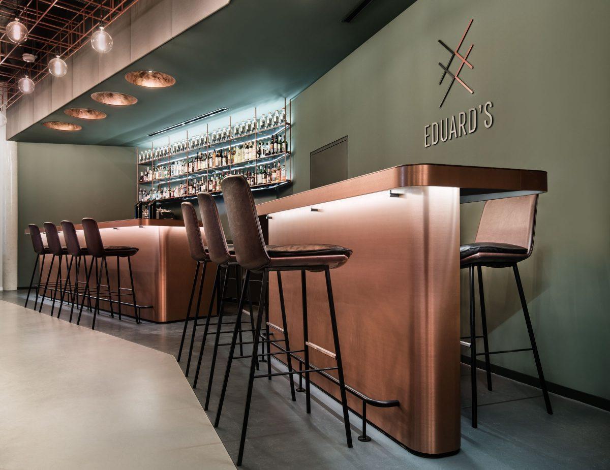 Eduards, Bar Detail