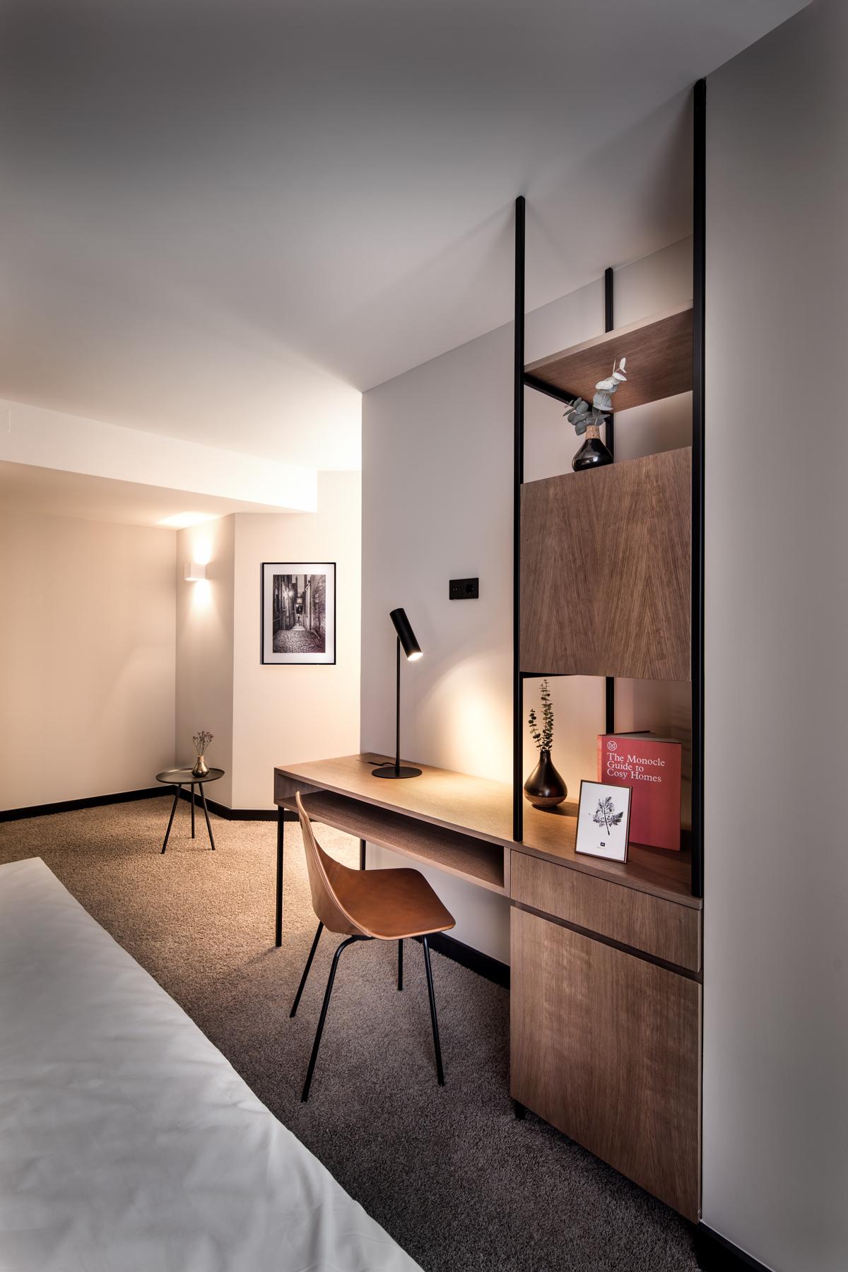 Hotel Domizil, Zimmer, Tisch