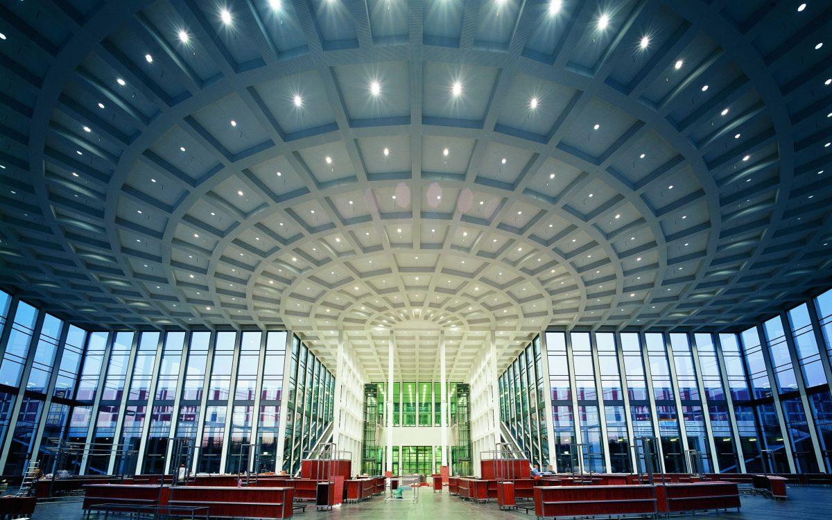 Messe Berlin, Haupteingang innen